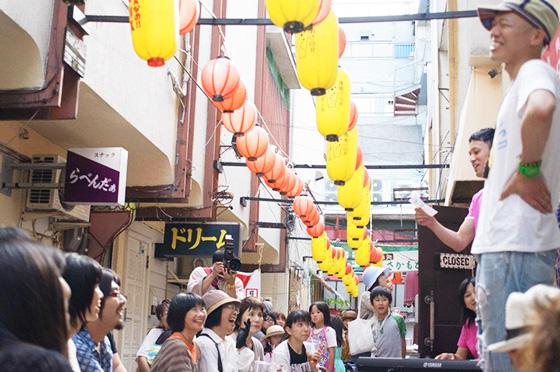 復興飲食店街「夜明け市場」ビアガーデン居イベント